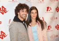 Ethan Zohn and Jenna Morasca attend the Premiere.